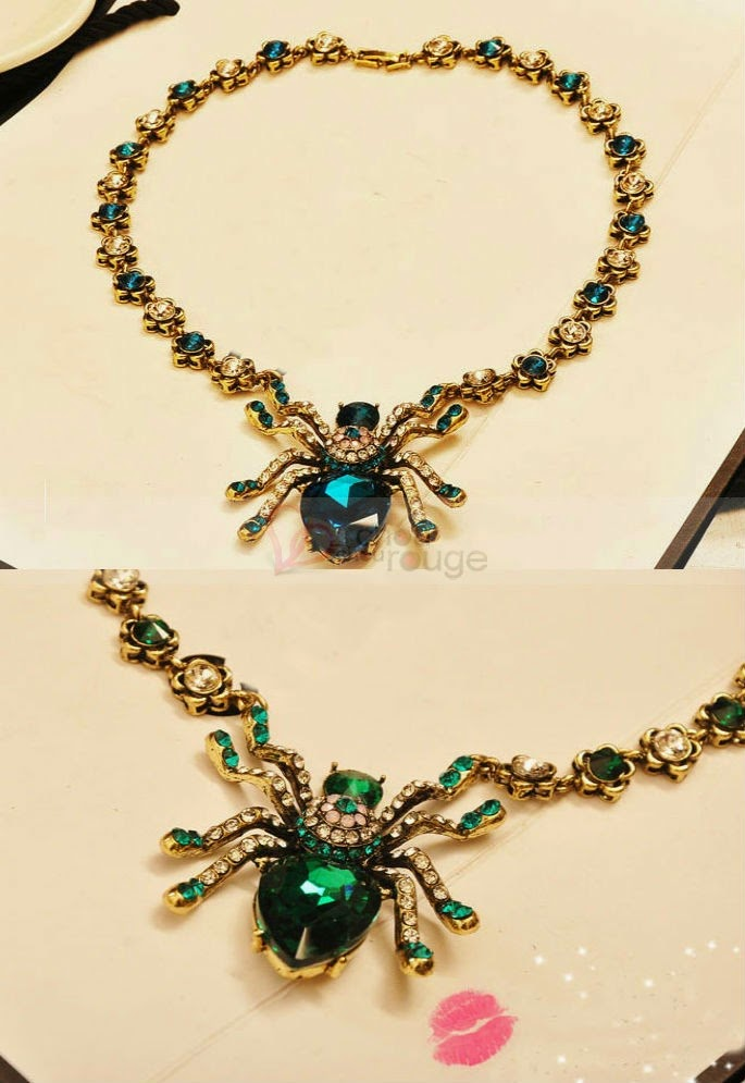 luxueux collier serti des pierres semi-précieuse avec un cœur charmant bleu - Chouchourouge