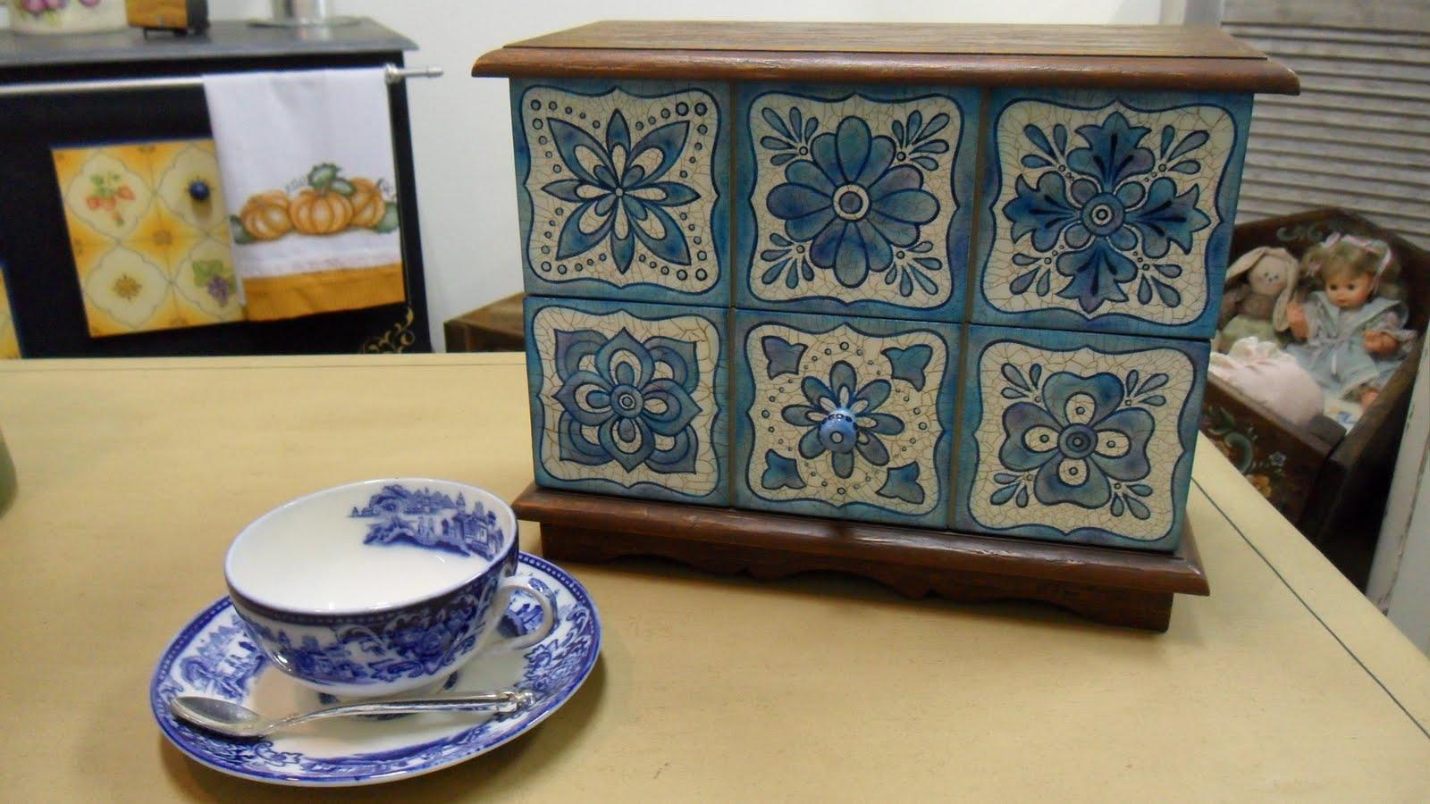 Atelier Malerhaus Pintura Decorativa Azul E Branco