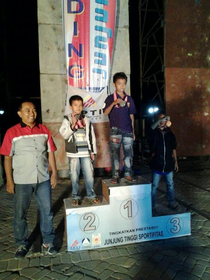 SDMT Juarai Panjat Tebing Karisedenan