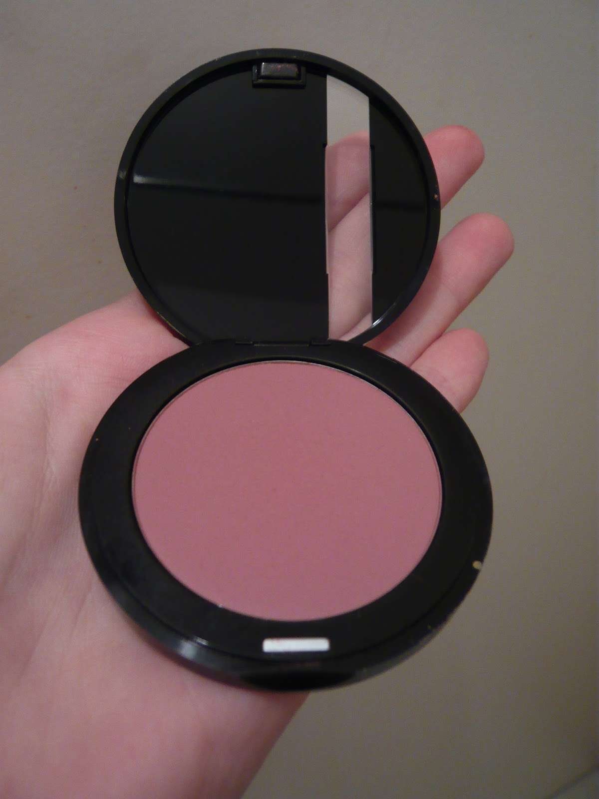 les tests beaut s de japansae sculpting blush make up. Black Bedroom Furniture Sets. Home Design Ideas
