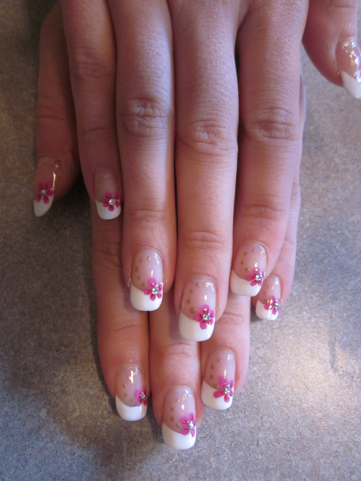 Pink lady nail art tasse toi grosse vache - French manucure mariage ...