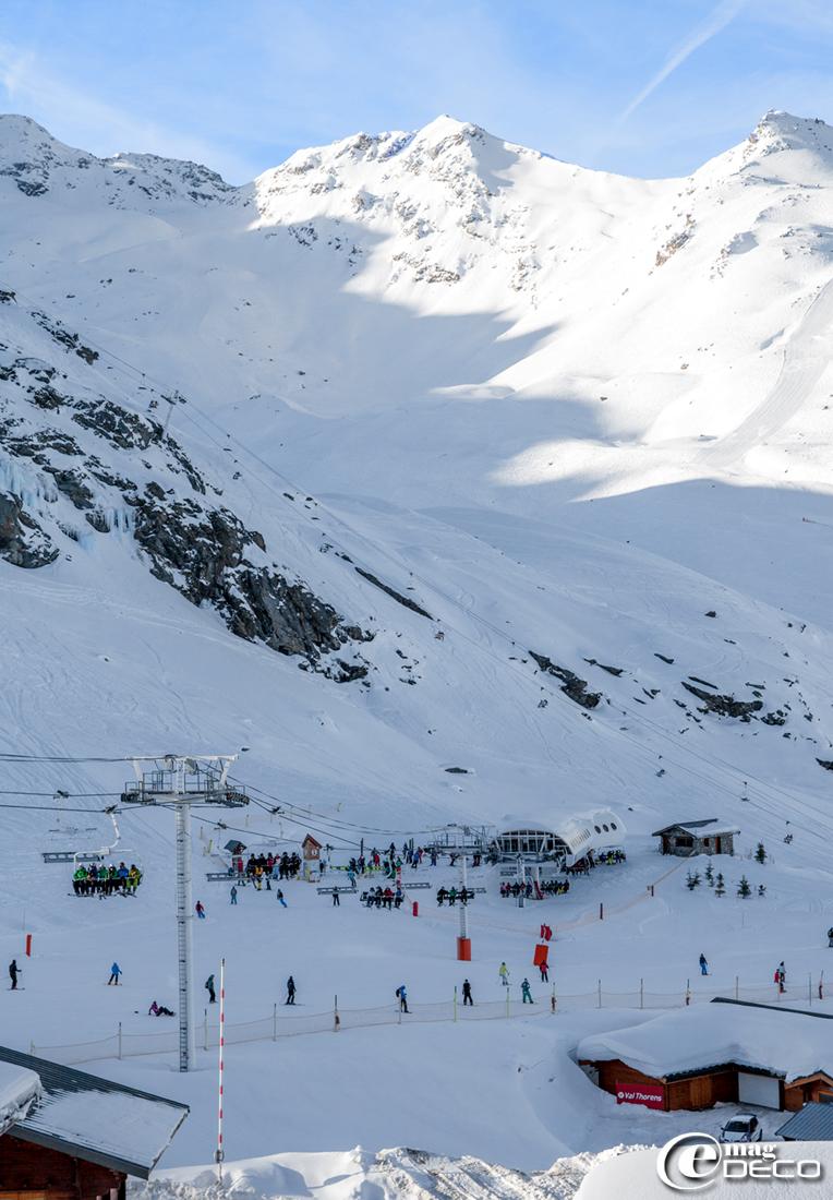 Vue de la station de Val Thorens sur la pointe du Bouchet dans les Trois vallées en Savoie