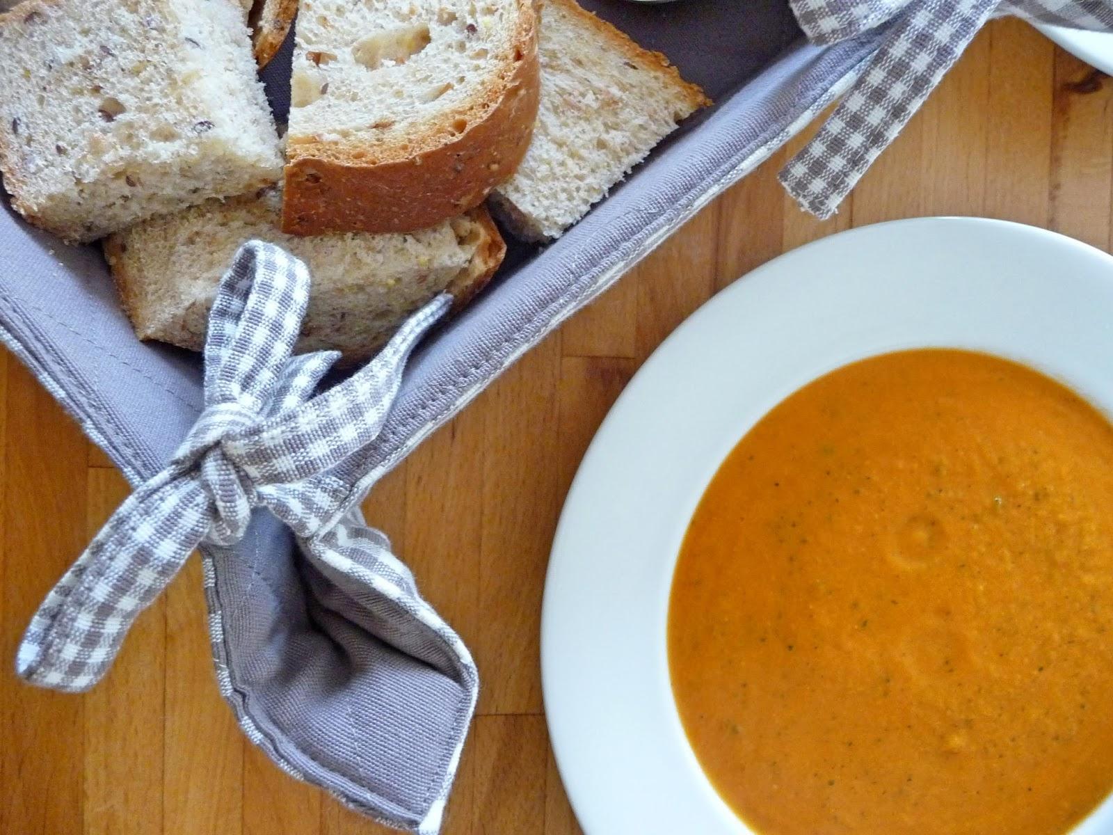 Tomato, courgette and sweet potato soup
