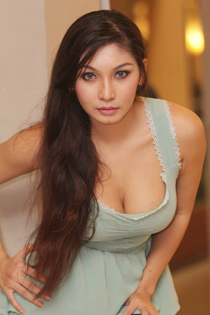 Image Result For Atria Loni Seksi Photoshoot A