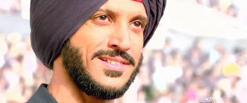 Screen Shot Of Hindi Movie Bhaag Milkha Bhaag (2013) Download And Watch Online Free at worldfree4u.com