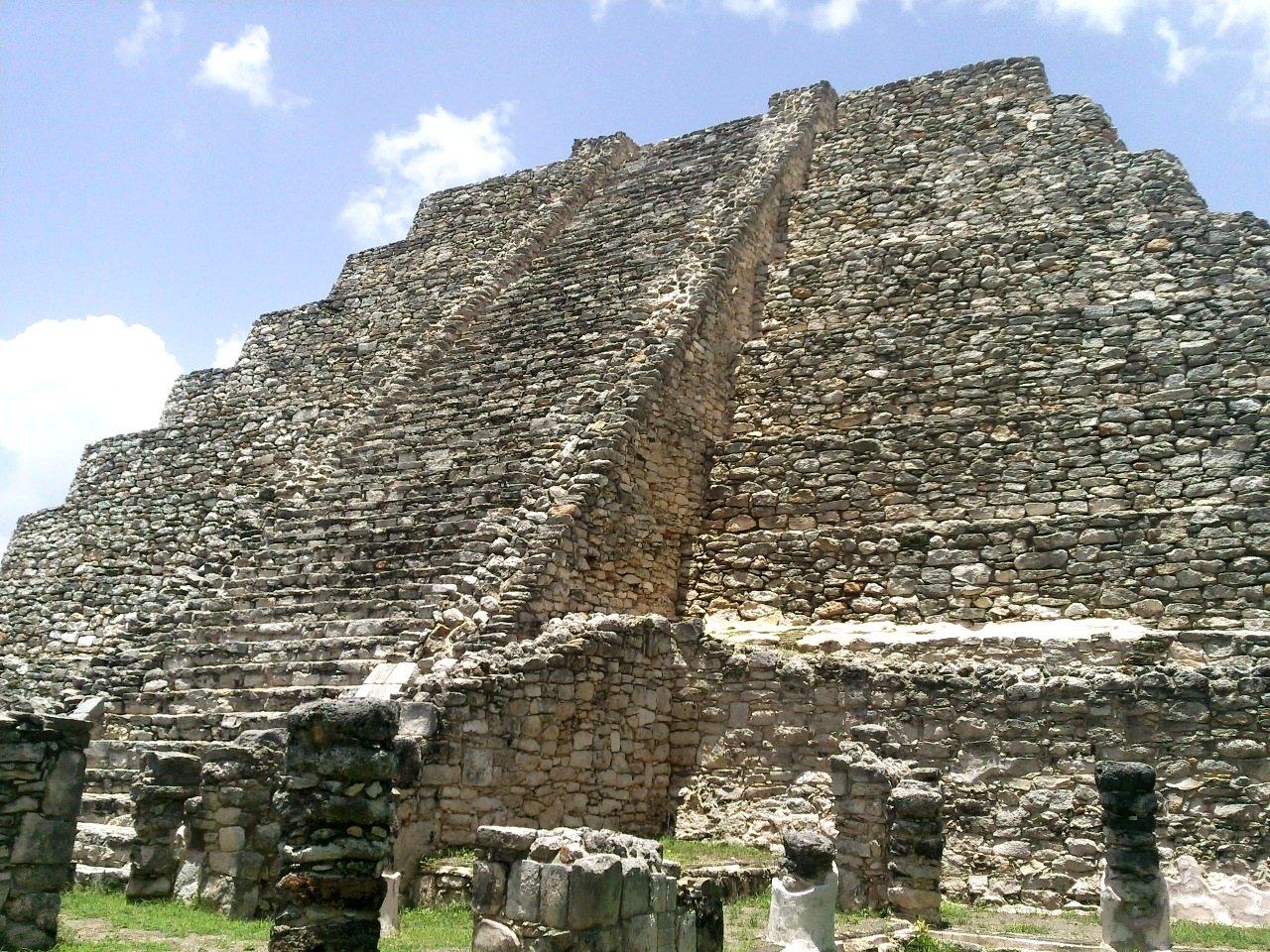 Castillo Kukulcan Mayapan Yucatan