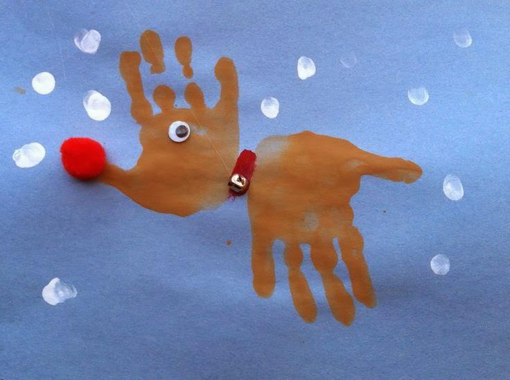 Rudolf a rena com pintura de mãos