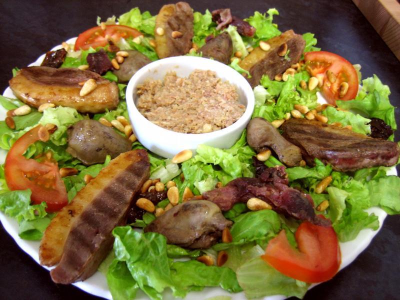 recette traditionnelle de la salade landaise les pieds sous la table. Black Bedroom Furniture Sets. Home Design Ideas