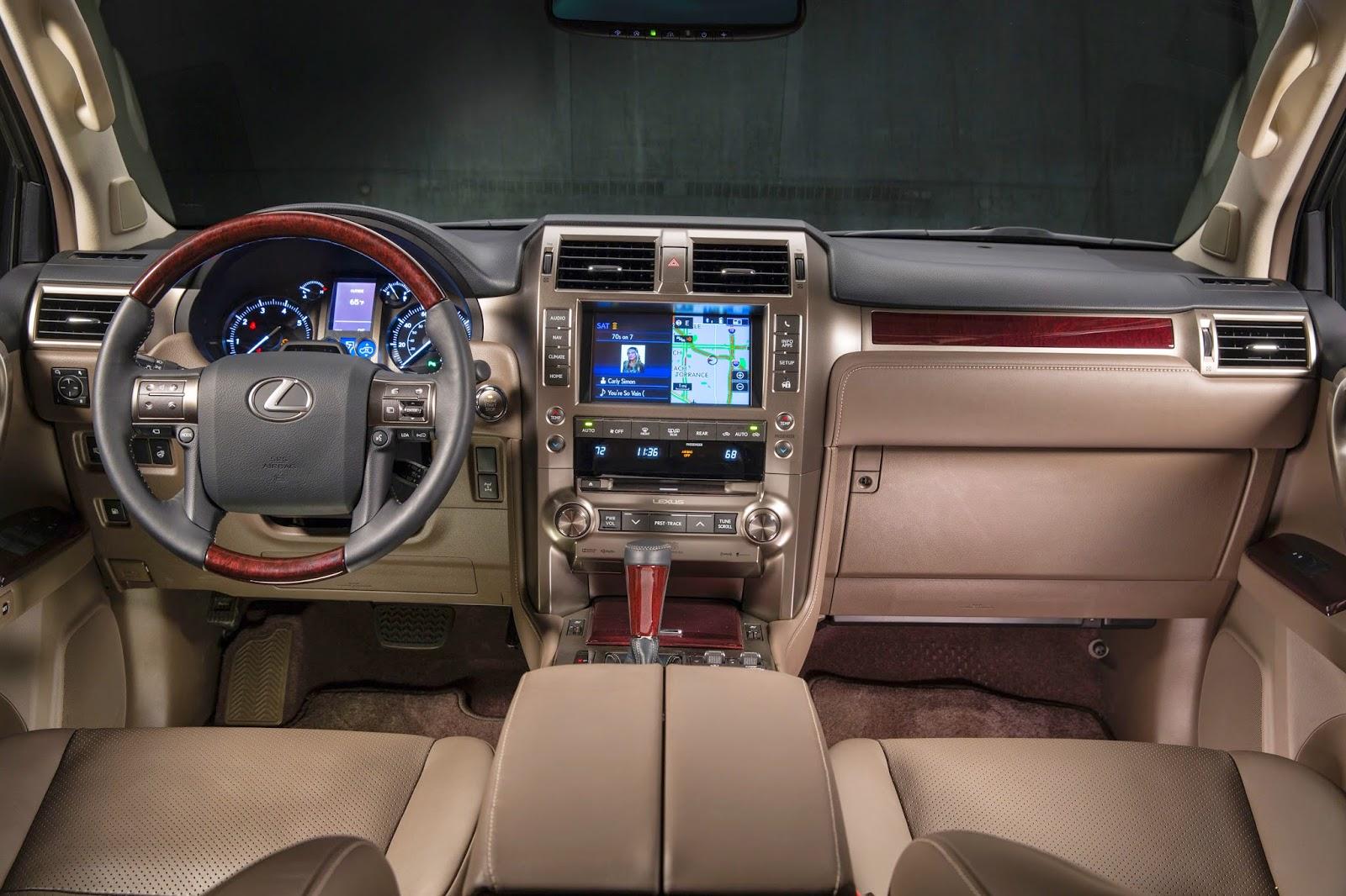 Interior view of 2014 Lexus GX460