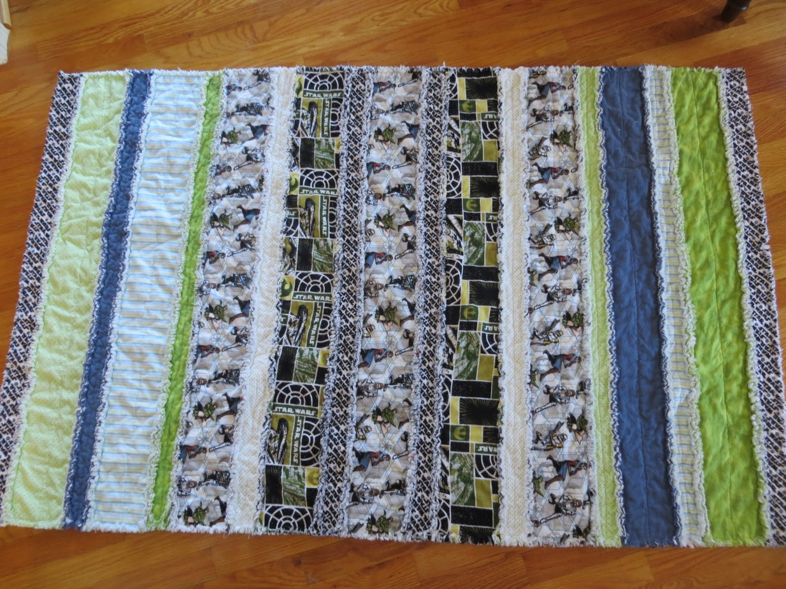 Two Magical Moms: Striped Rag Quilts