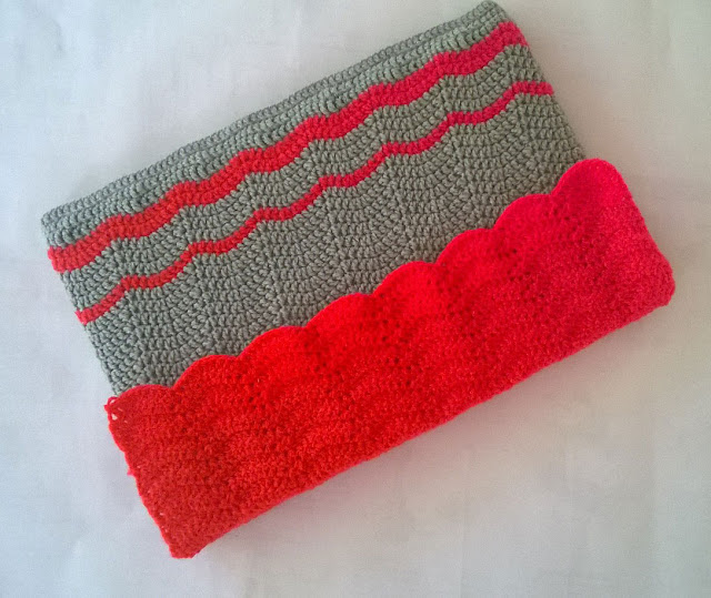 crochet laptop sleeve