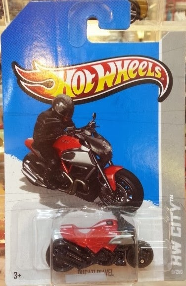 HW Ducati Diavel red (2013)
