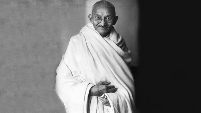 a biography of mohandis karamchand gandhi Early years mohandas karamchand gandhi was born on october 2, 1869, in porbandar, india, a seacoast town in the kathiawar peninsula north of bombay.
