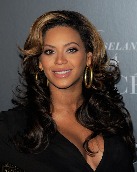 Celebrity Hairstyle Ideas: Beyonce Knowles long curly two toned ...
