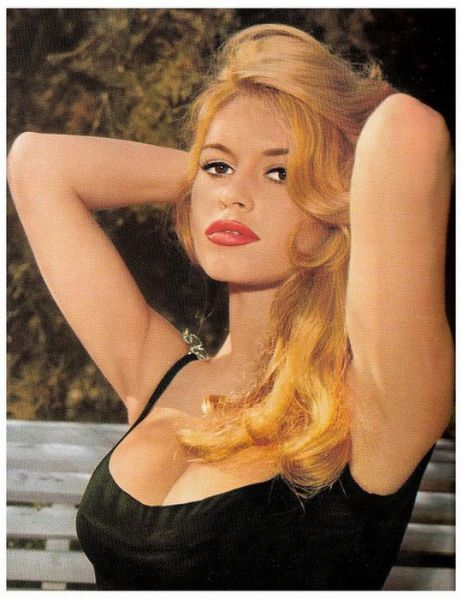 Mariella ahrens nude Nude Photos