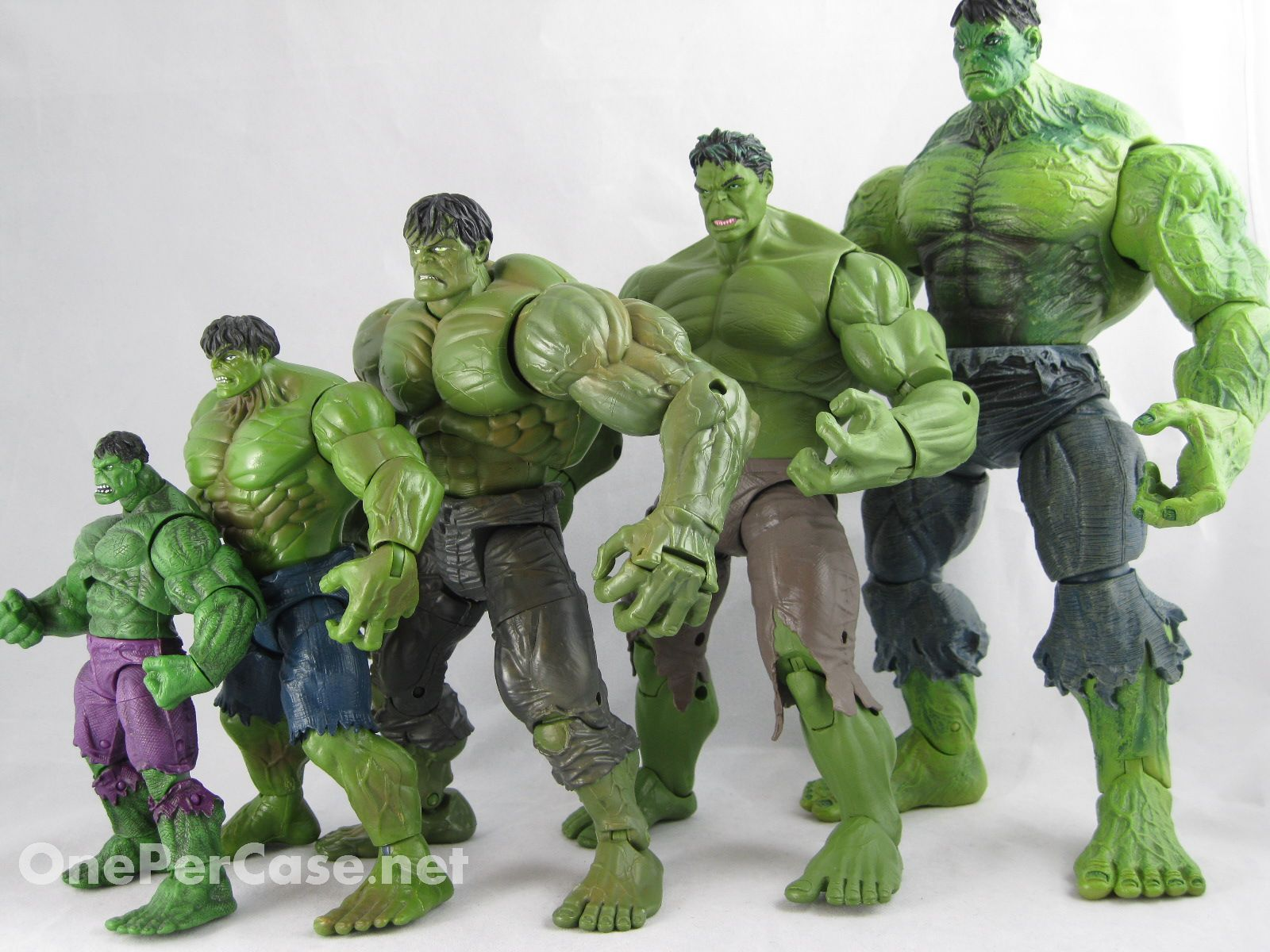 One Per Case: Marvel Select - Unleashed Hulk Disney Store Exclusive