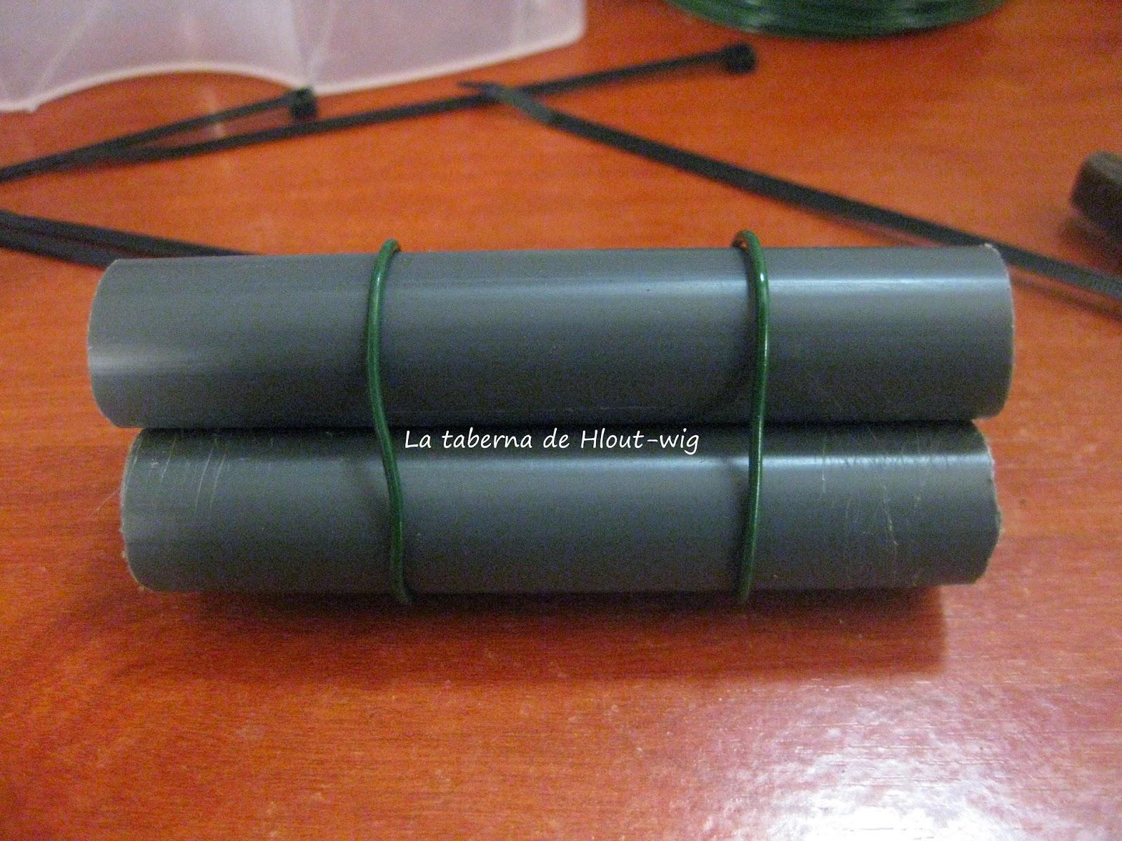 Tubos atados con alambres