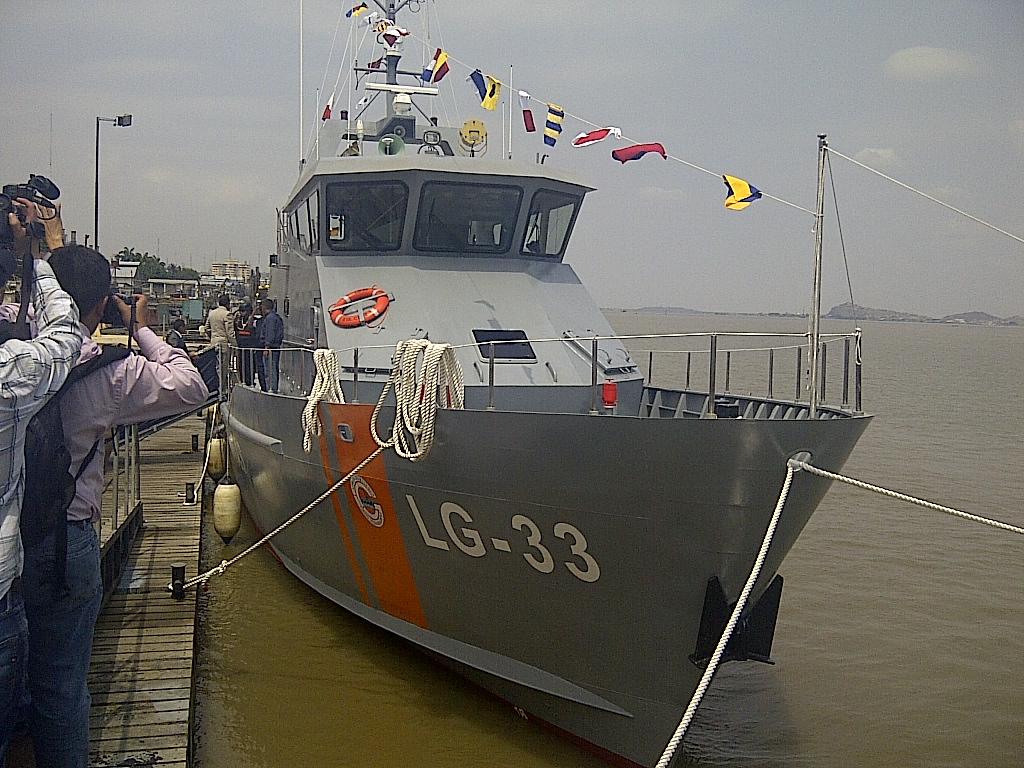 Isla Santa Cruz Armada de Ecuador