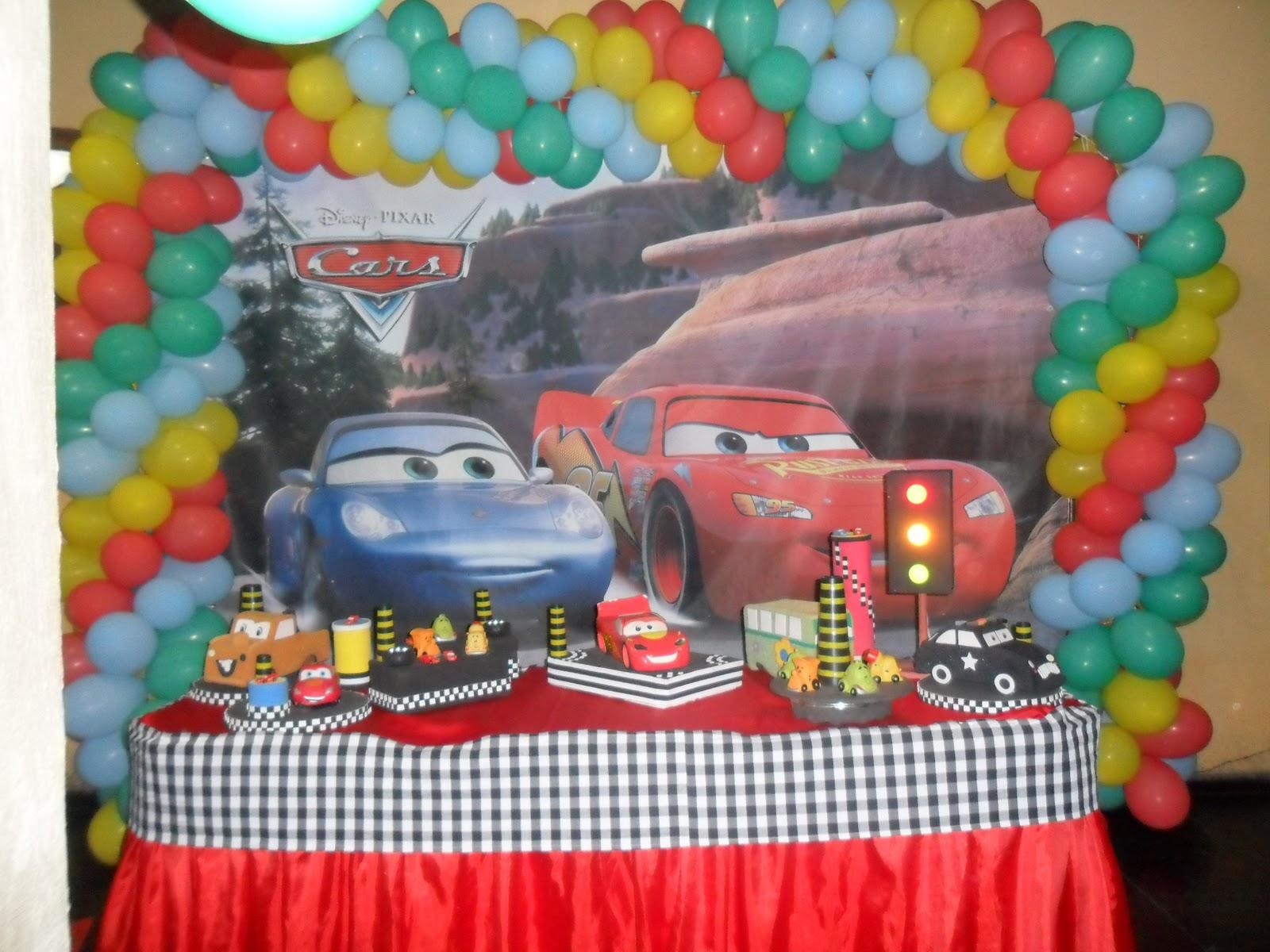 Doce Encanto Decoração de Festas  Tema Carros Com Relâmpago McQueen