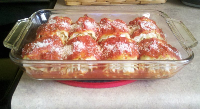 Chicken And Cheese Lasagna Roll-Ups Recipe — Dishmaps