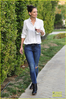 Katie Holmes Pic in Tight Jeans & White Shirt