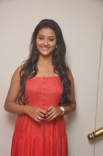 Pooja Jhaveri latest glamorous Pictures 012.JPG