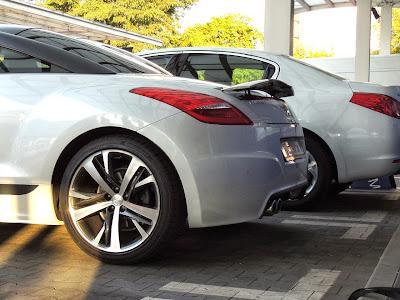 Peugeot RCZ - podniesiony spoiler