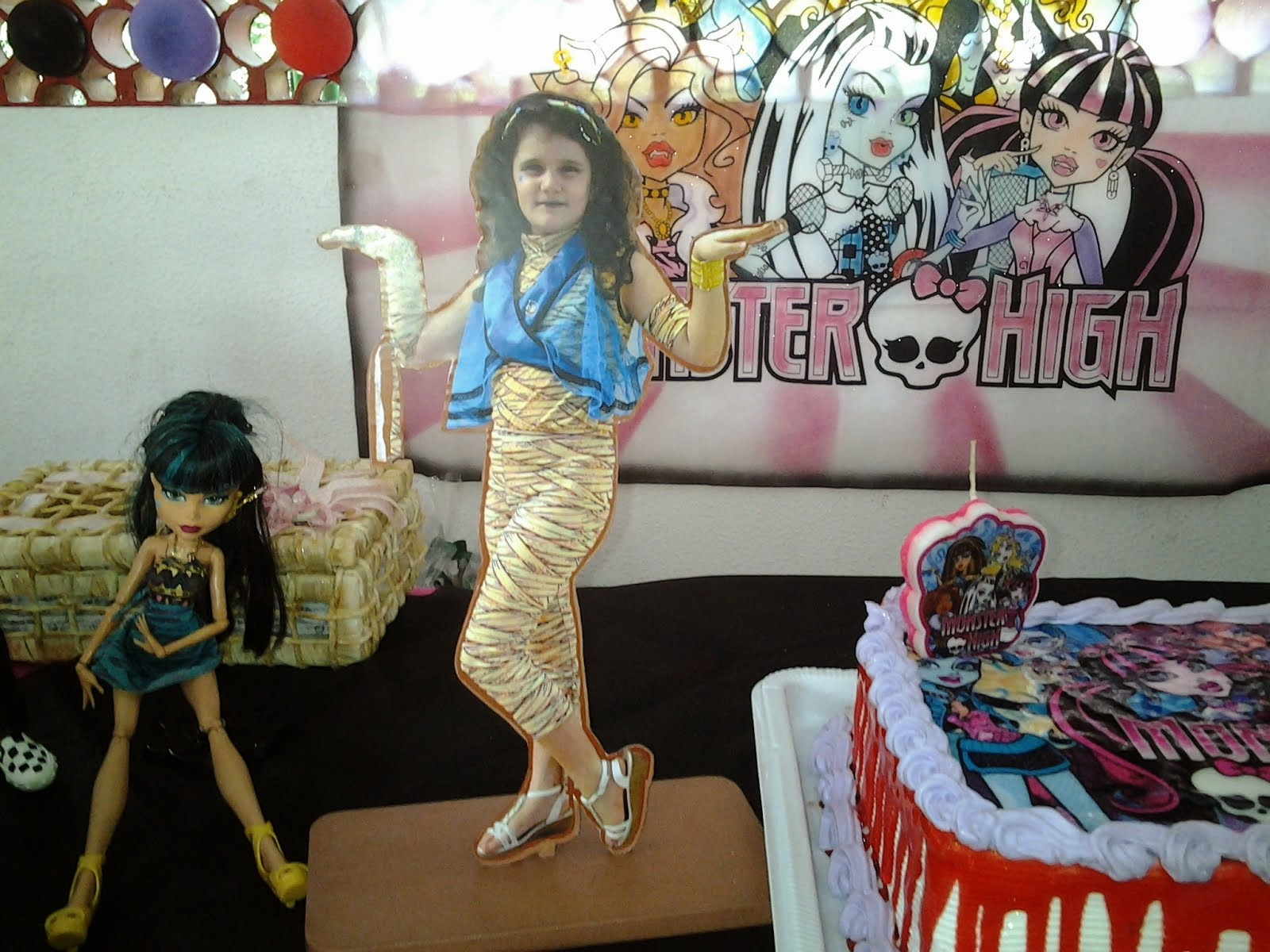 Silhueta Aniversariante - Monster High