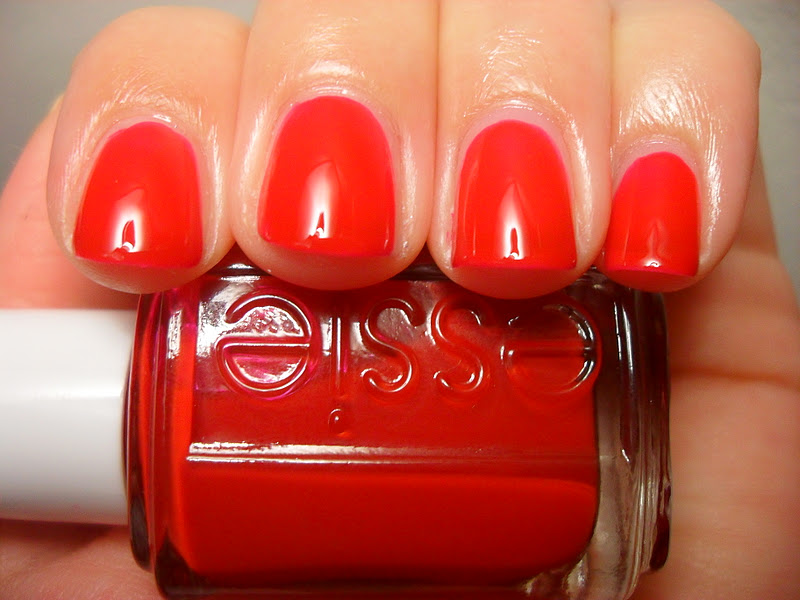 Polished Claws Up!: Essie - Jelly Apple