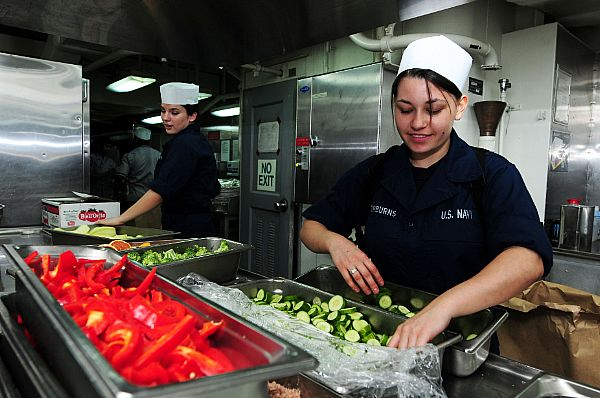 Round the Chuckbox: Navy cooks from Bakersfield