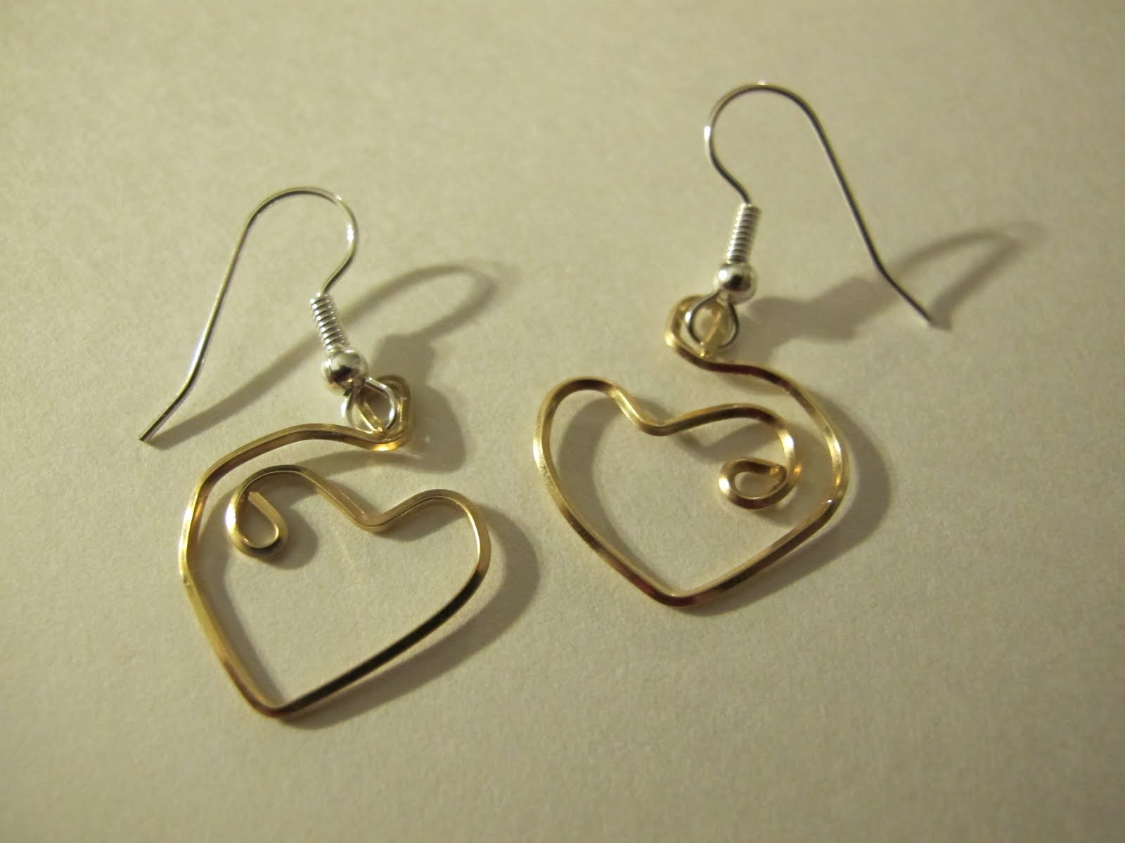 Naomi\'s Designs: Handmade Wire Jewelry: Wire wrapped heart earrings ...