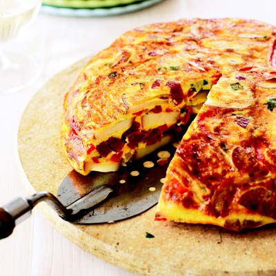 http://www.spanishhomecooking.com.au/recipes/tortillapatata.html