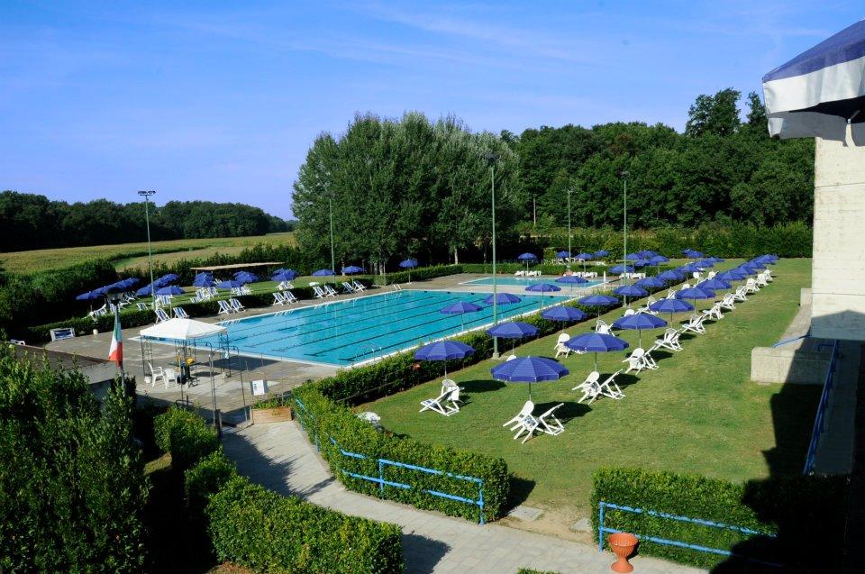 Punto informa festa in piscina pool party tutti i - Piscina comunale levico terme ...