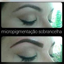 Micropigmentação de sobrancelhas.