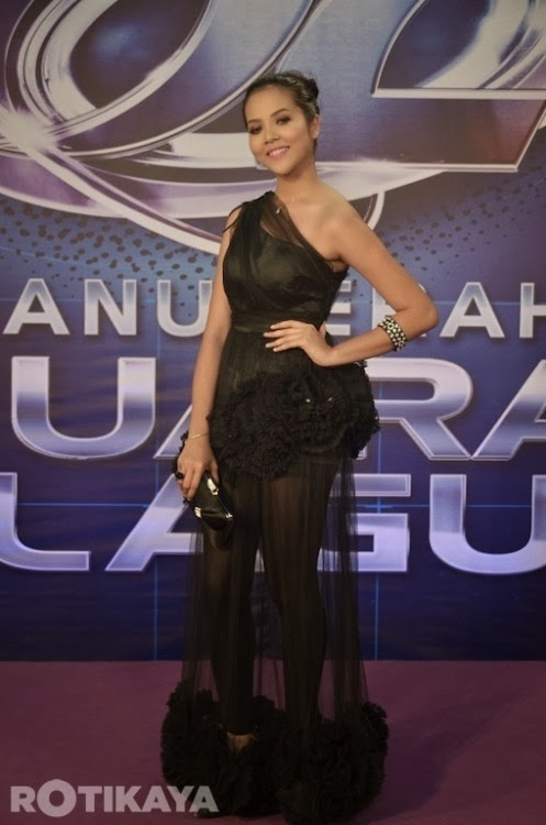 55 Gambar Gaya Selebriti Yg HOT Di Karpet Merah Anugerah Juara Lagu Ke 29 AJL 29