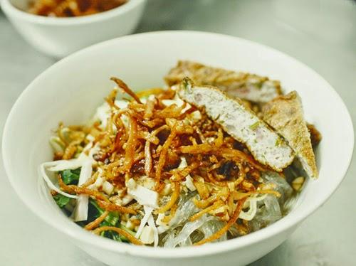 Những món ăn vặt lạ miệng ở Hà Nội1