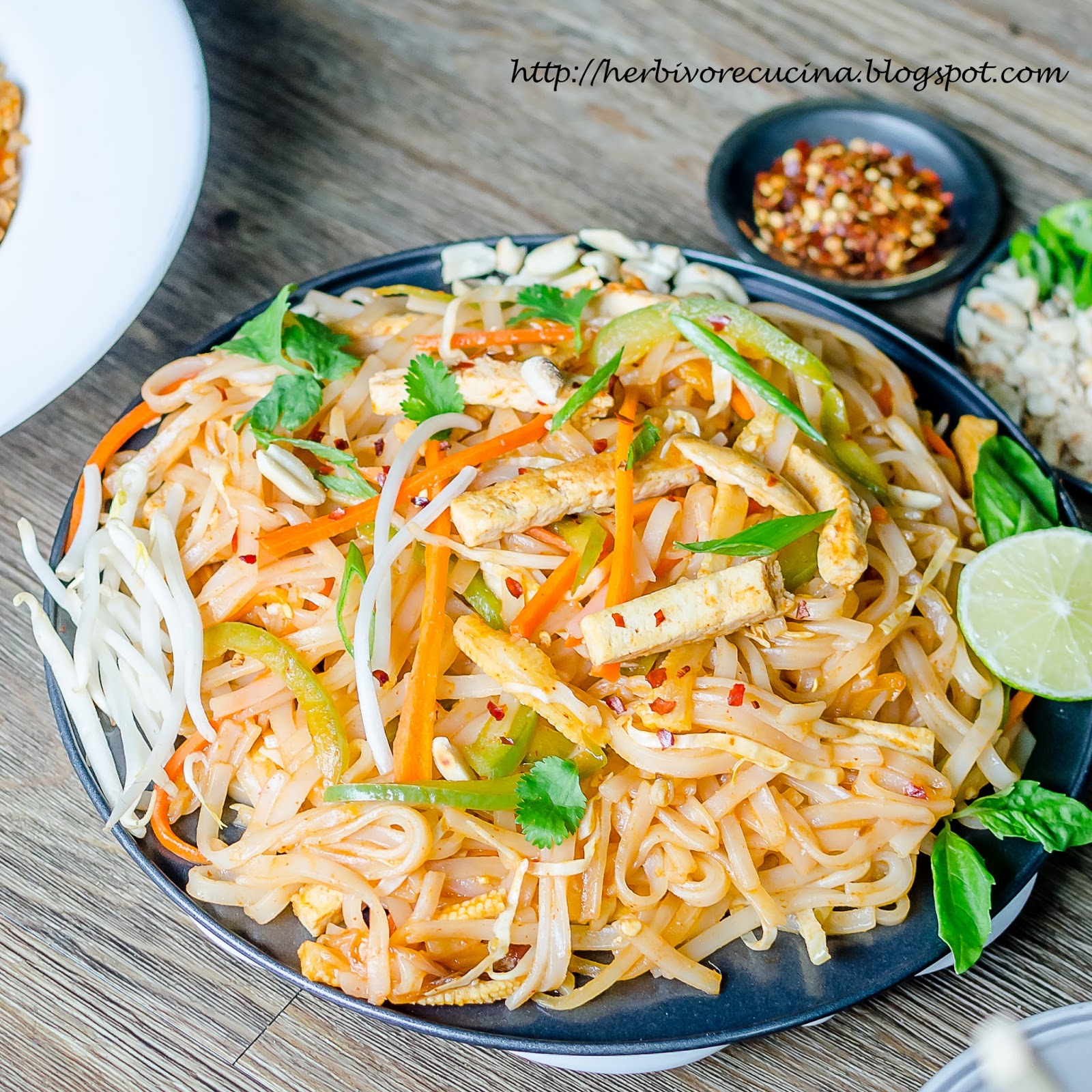how to make pad thai noodles vegetarian