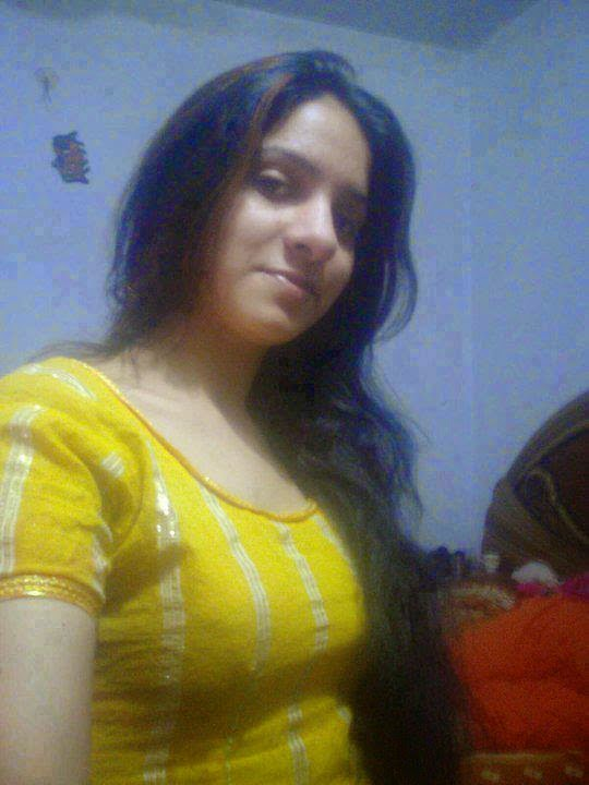 Desi Maal Sexy Pictures Collection