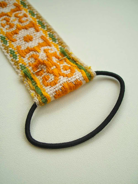 Simple tutorial for a handmade vintage trim bookmark or journal strap