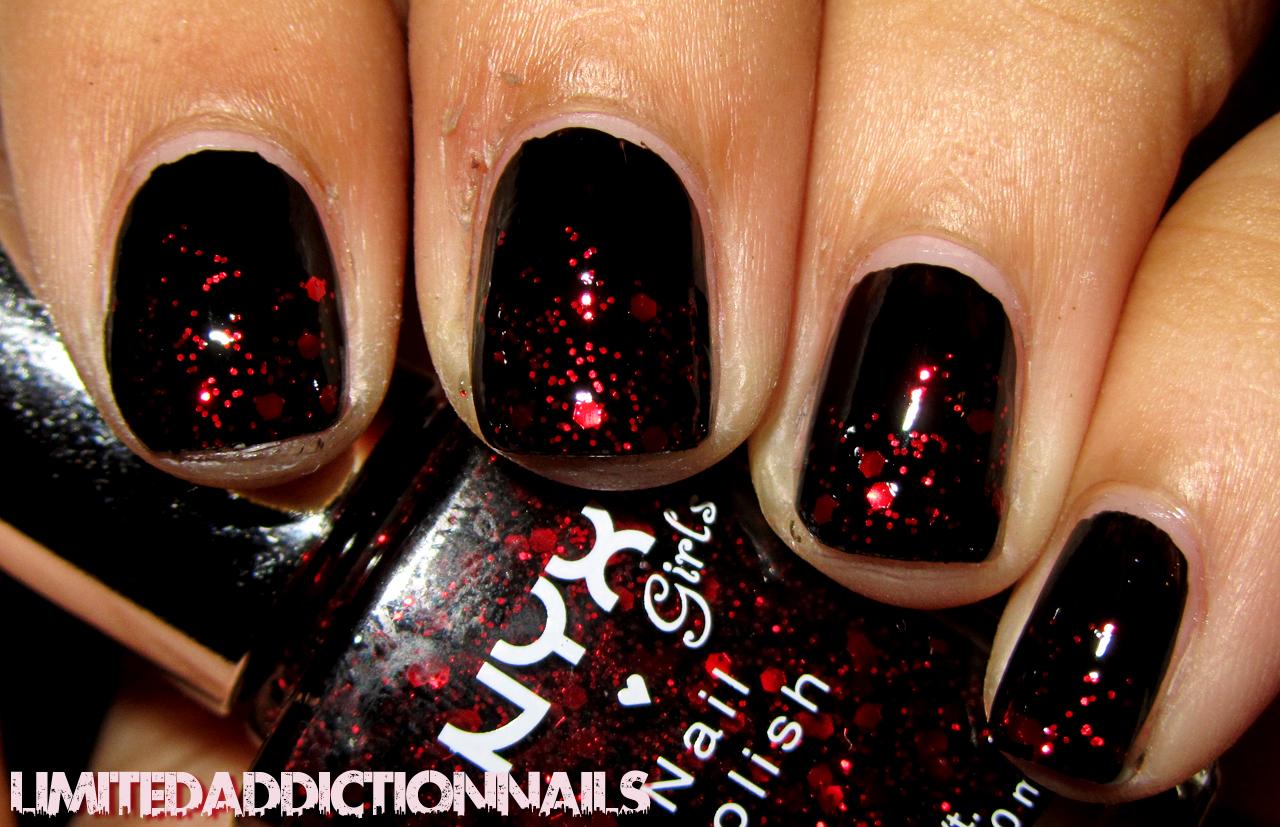 limitedaddictionnails: simple red glitter christmas manicure
