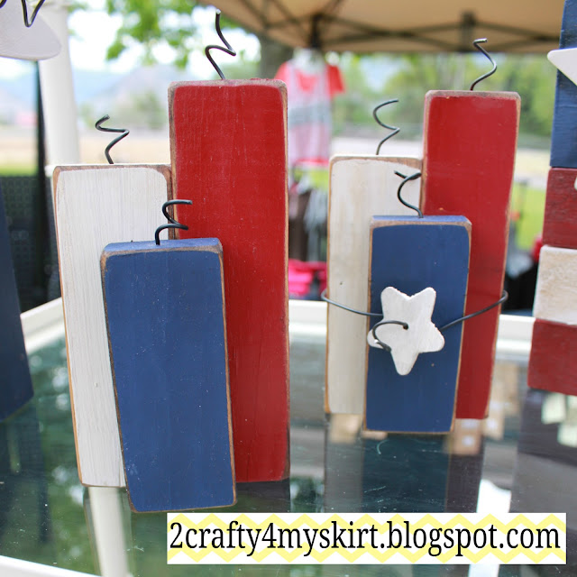 Patriotic Firecracker Craft from 2 Crafty 4 My Skirt | Featured on Making the World Cuter
