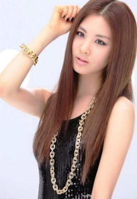 potongan rambut wanita lurus