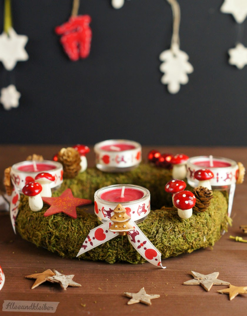 kleeundkleiber diy ein adventskranz aus moos mit teelichtern den man jeden abend anz nden kann. Black Bedroom Furniture Sets. Home Design Ideas