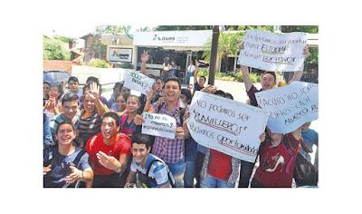 postulantes reclaman mil becas, México