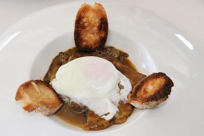 Boletus con huevo del restaurante Illunbe. Blog Esteban Capdevila