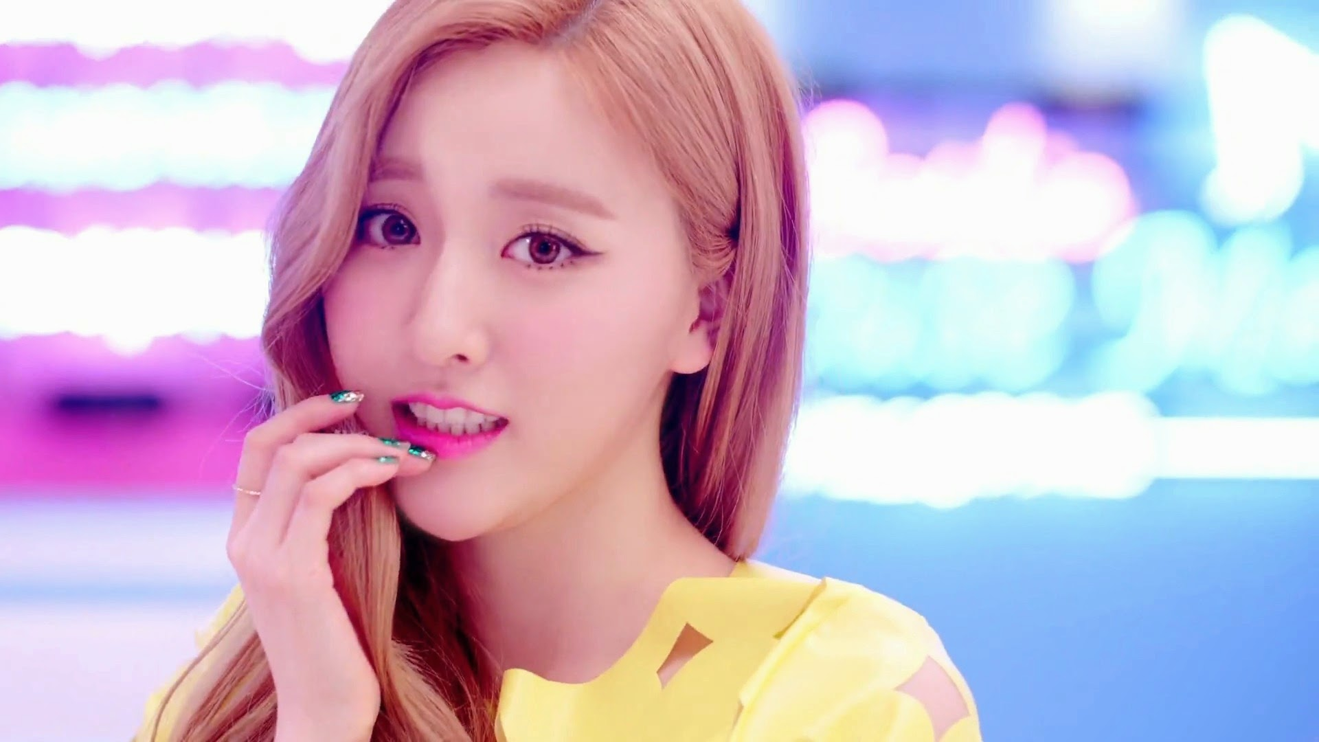 Bestie's Haeryung in Excuse Me MV