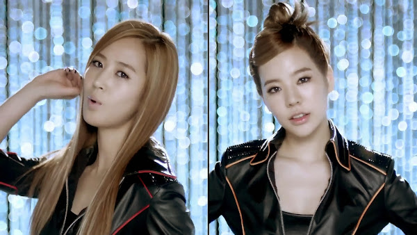 SNSD Mr. Taxi Split Screen Yuri Sunny