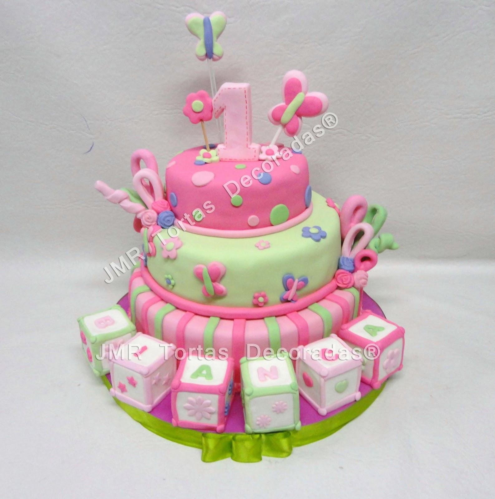 Torta Cubos para el primer añito de Bianca | JMR Tortas Decoradas