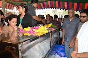 Telugu Hero Uday Kiran Condolences-thumbnail-3