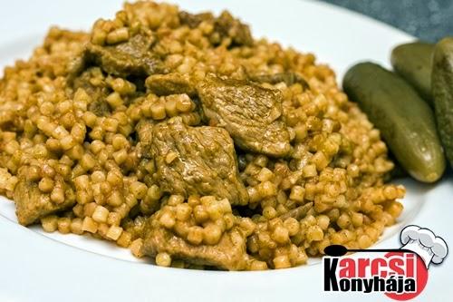 gasztronómia, Karcsi konyhája, konyha, kovászos uborka, tarhonyás hús, zellerkrémleves,